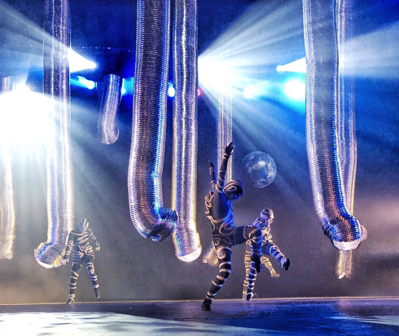 metallic dance