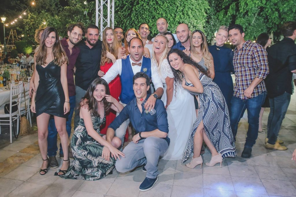 Israeli guests dressed casual in a wedding