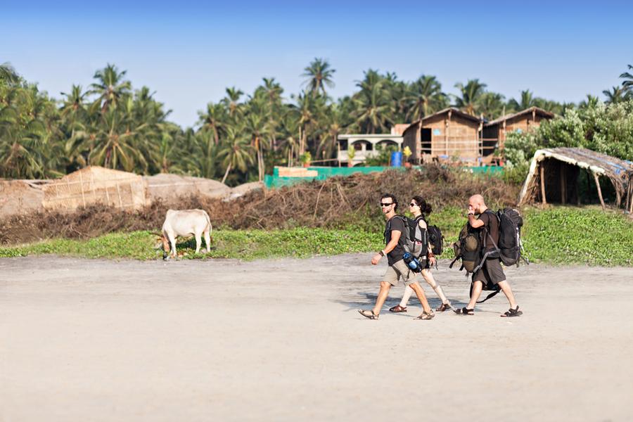 israeli backpackers traveling india